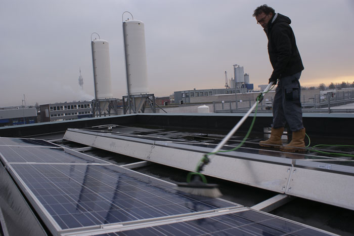 Profiteer van zonnepaneelreiniging